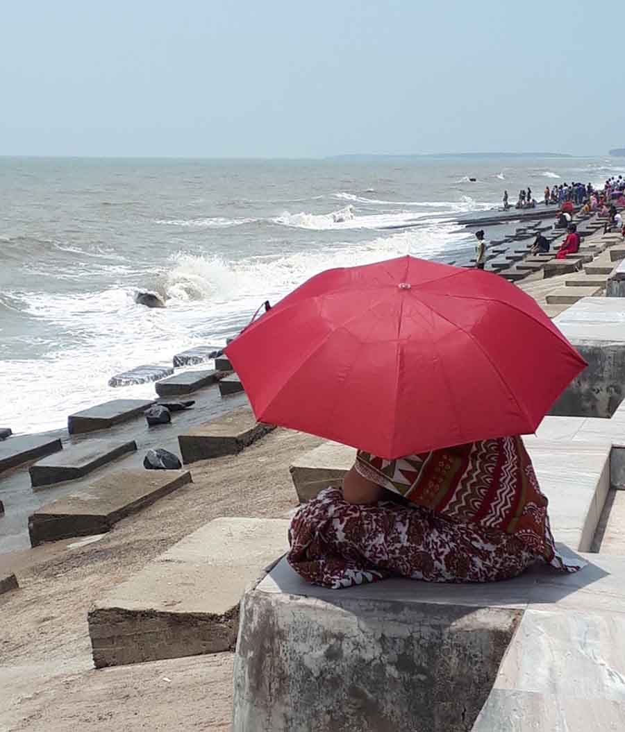 Afternoon, Bay of Bengal - Photographs by Gavin Cologne-Brookes