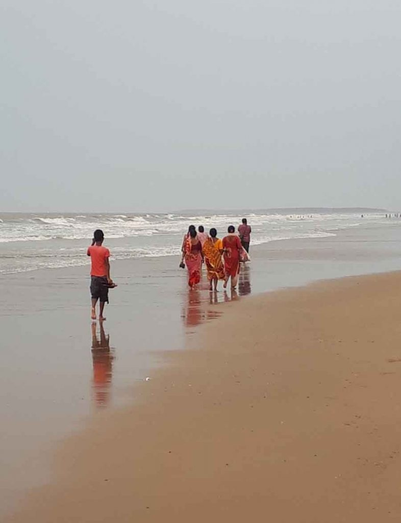 Family Walk, Bay of Bengal - Photographs by Gavin Cologne-Brookes